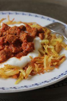 NESRiN`S KÜCHE: Çökertme Kebabi / Kebap mit gebratene Fleisch und Kartoffelspalten mit Knoblauch-Joghurtsoße