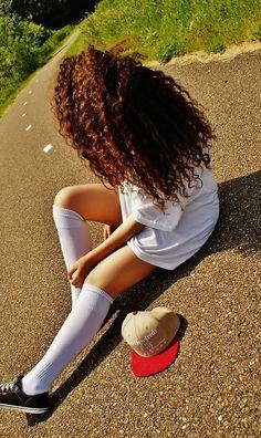 Natural curly hair ... i want my hair this long