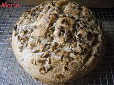 Pan con salvado, centeno y pipas de girasol. Ver receta: http://www.mis-recetas.org/recetas/show/30109-pan-con-salvado-centeno-y-pipas-de-girasol