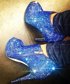 Blue Shoes  Think I wouldn't?shoes Blue my mind. www.sisterswithbeauty.com Approved