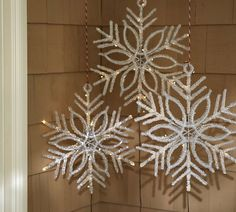 Im probably going to buy some big snowflakes like this from the dollar store or somewhere cheap and hang them from my front porch for winter/christmas!
