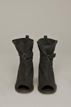 Humanoid shoes 2012