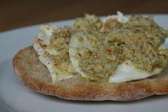 Tartines à la mozzarella et aux coeurs d'artichauts