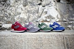 Originally released during the mid 1980's, the Courageous model from Saucony was quickly adopted by the dedicated everyday runners as their go-to trainer of choice. This Spring Saucony will re-introducing the model with seasonal colorways within the Courageous Premium Pack. CHECK THE SITE FOR MORE DETAILS