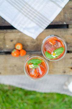 http://foodistas.de/erdbeerlimonade-mit-basilikum/