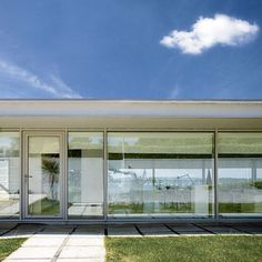 NEW GLASS HOUSE: Minimalist Home in Dorset. 5/9/2012 via House to Home