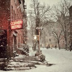 Greenwich Village #nyc in the snow by @sallysargood