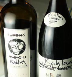 A homemade version of coffee liqueur that tastes almost identical to Kahlua(R).