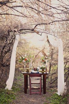 Hidden Forest shoot ~ Part one ~ Alixann Loosle via Wedding Sparrow