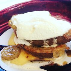 French toast and ice cream with caramelised banana - the perfect late night snack for an awfully long day and when nothing else felt at all right Good Food, Yummy Food, Tasty, Baking Recipes, Cookie Recipes, Late Night Snacks, School Treats, Recipes From Heaven, Gourmet