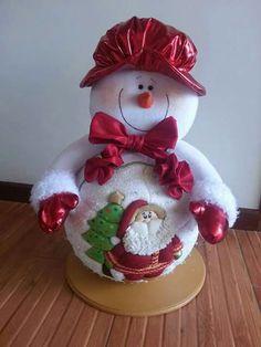 Nieve Felt Christmas Decorations, Christmas Fabric, Christmas Centerpieces, Holiday Decor, Christmas World, Christmas Snowman, Christmas Ornaments, Snowman Crafts, Felt Crafts
