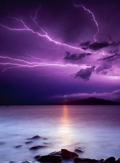 22 Best Ideas Mother Nature Photography Thunderstorms Informations About 22 Best Ideas Mother Nature Photography Thunderstorms Pin You Lightning Photography, Storm Photography, Landscape Photography, Nature Photography, Photography Classes, Photography Tips, Portrait Photography, Wedding Photography, All Nature