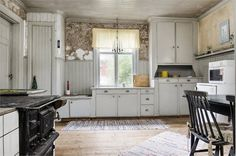 an old building, Säter in Sweden. Cute Kitchen, Old Kitchen, Kitchen Redo, Rustic Kitchen, Vintage Kitchen, Swedish Kitchen, Swedish House, Swedish Style, Swedish Interiors