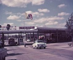 1963 Brownsville Texas - US/ Mexico Border Crossing/ Cool! My dad wasn't even born yet! Brownsville Texas, Port Isabel, Only In Texas, Rio Grande Valley, Loving Texas, Historical Landmarks, South Texas, Texas History, Texas Homes