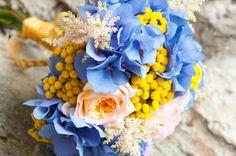 wedding bouquet - buchet mireasa hortensie albastra (www.maya-flowers.blogspot.ro)