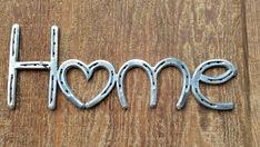 Horseshoe Home Sign - Home is where the heart is - Home Sweet Home - Home Decor Wall Art - Farmhouse Wall Decor - Farmhouse Decor - Hufeisen - Welding Crafts, Welding Art Projects, Metal Projects, Metal Crafts, Welding Ideas, Blacksmith Projects, Welding Tips, Nyc Projects, Horseshoe Projects