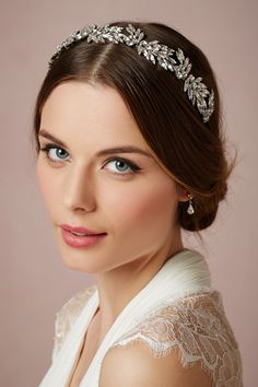 Love her soft dewy look and headband. Book luxury bridal beauty with the experts at Vênsette: Vensette.com/bridal_inquiries