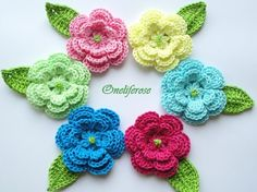 Crochet Flower 6 pieces with leaf por OnelifeRosen en Etsy, $25.00