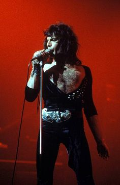 Freddie Mercury. Queen 1970s. More #music pics at www.freecomputerdesktopwallpaper.com/wmusicfour.shtml Thank you for viewing!