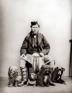 14 Beautiful Old Photos Of People With Their Dogs