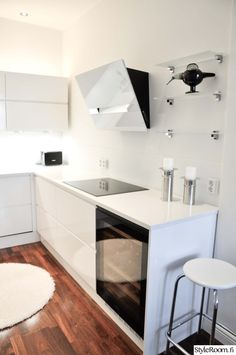 keittiö,valkoinen keittiö,moderni keittiö,moderni sisustus,keittiön sisustus