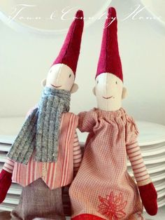 Maileg Christmas elves - so dang cute!