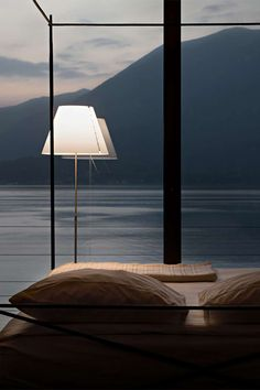 Ethereal and essential, this lamp fits into any setting with nonchalance. Costanza is an archetypal example of modern elegance. The polycarbonate shade rests on the aluminium structure at just two points Brass Floor Lamp, Led Floor Lamp, Led Lamp, Interior Lighting, Modern Lighting, Office Lamp, Tiffany Lamps, Design Awards, Telescope