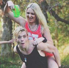Love this picture of ross and rydel