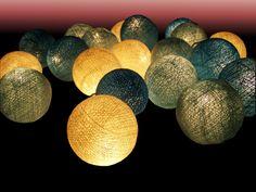 Lichterkette+aus+echten+Baumwollkugeln,+Handarbeit+von+Siam+Art+auf+DaWanda.com