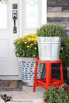 Red Outdoor Stool by The Wood Grain Cottage  #maisonblanchepaint  #paintedfurniture  #ad