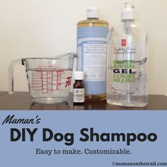 DIY Dog Shampoo because no one likes a dirty, smelly dog! If you want to keep happily adventuring with your furry friend, you need to make this dog shampoo! Homemade Dog Shampoo, Puppy Shampoo, Diy Shampoo, Dog Training Classes, Dog Training Tips, Smelly Dog, Diy Conditioner, Natural Dog Shampoo, Yorky