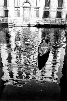 Fulvio Roiter - Riflessi sul rio - 1970