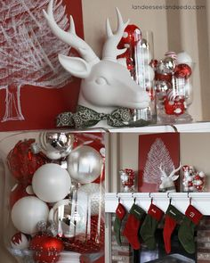 christmas mantel decor - Christmas Shelf Decorations