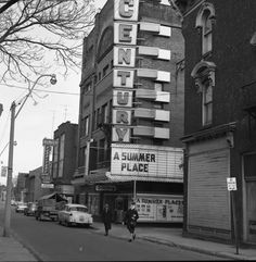 OPENED AS THE LYRIC THEATER IN 1913. TURNED INTO THE CENTURY IN 1940, WAS THE FIRST TO HAVE AIR CONDITION. WAS DEMOLISHED IN 2010 Hamilton Ontario Canada, The Old Days, Old Pictures, Vintage Photos, Past, Old Things, Memories, Theatres, Places