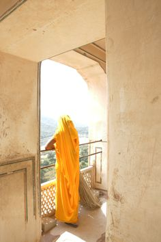 How To Tie A Sari