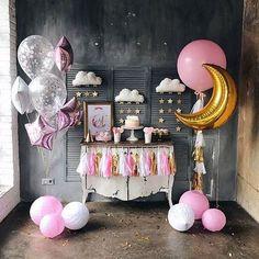 Birthday Party Ideas For Kids - Art & Craft - Art and Craft Balloon Decorations Party, Birthday Party Decorations, Birthday Parties, Decoration Party, Birthday Ideas, Galaxy Balloons, Pink And Gold Invitations, Star Theme Party, Babyshower