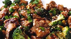 Better than takeout, and healthier too - this Chicken and Broccoli Stir Fry is bursting with rich, savory flavor and pleases even picky eaters. Chicken Recipes Nz, Chicken Broccoli Stir Fry, Fennel Soup, Asian Recipes, Healthy Recipes, Broccoli Recipes, Healthy Vegetables, Cooking Recipes, Cooking Beef