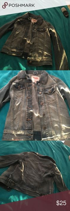 denim jacket great denim jacket in nearly perfect condition. literally only wore it twice. very pretty and would add a cute denim touch to a great outfit. it's a very comfortable fit and is a very nice color. Mossimo Supply Co Jackets & Coats Jean Jackets