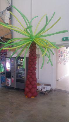 Voglia di mareee.... #sea #mare #palm # tree #palloncini #albero #palma #mare #estate #summer #balloonart