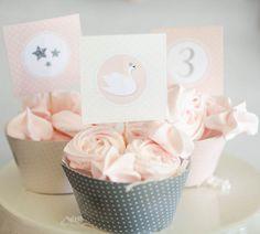 Meringue rose cookie