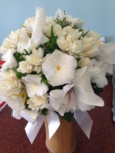 Wedding Flowers, Table Decorations, Furniture, Home Decor, Decoration Home, Room Decor, Home Furnishings, Home Interior Design, Dinner Table Decorations