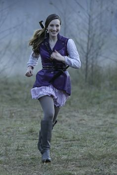 """'Once Upon A Time In Wonderland' Episode 108 """"Home""""- Alice runs to meet Cyrus"""