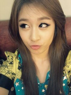 Hasil gambar untuk jiyeon t ara selca South Korean Girls, Korean Girl Groups, Tsubasa Honda, Park Ji Yeon, T Ara Jiyeon, Park Bo Young, K Idols, Asian, Kpop