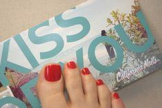 California Nails  #californianails #toenailtips #pedi #pediküre #pedicure #feets #love #heidipolish #tattoo #beautyblogger Leuchtend Rot