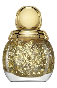 Luxury label Dior brings forth a glamorous make up collection for the upcoming Holiday 2014 season. The Dior Golden Shock Make Up Collec. Dior Nail Polish, Dior Nails, Glitter Nail Polish, Gold Nails, Gold Polish, Gold Glitter, Nail Polishes, Glitter Top, Gold Sparkle