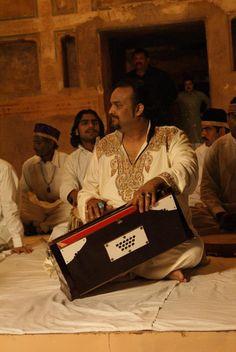 Amjad Sabiri on the sets of Chambaili