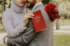 Nikah University Outfit, Self Love Quotes, Muslim Couples, Wedding Story, Wedding Wishes, Wedding Photoshoot, Photo Poses, Couple Goals, Husband