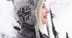 Talven kaunein pipo koristellaan tupsuilla, palmikoilla ja skandityylisellä kirjonnalla. Korvaläppien ansiosta pää pysyy taatusti lämpimänä.