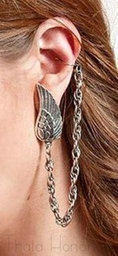 C�d: EAC002 <br>Ear Cuff em banho ouro velho de asa e corrente.