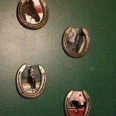 Love this great idea for your horse shoes and photos